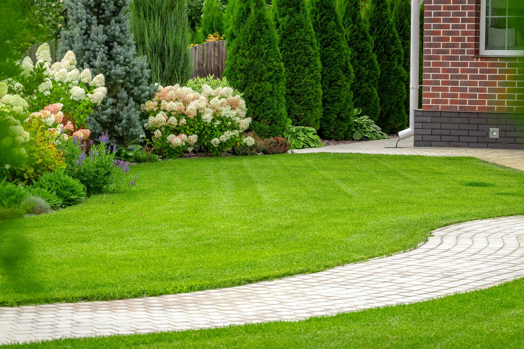 Leawood Lawn Care Pros, Leawood Kansas Leawood Lawn Care Pros, Outdoor Pest Control